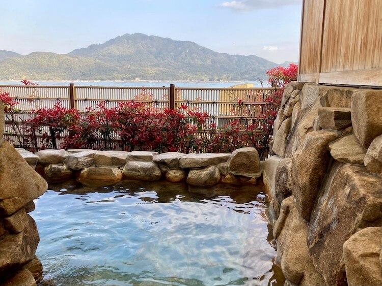 湯巡り日本一周Nバン車中泊 69湯目 宮浜紅まんさくの湯の露天風呂