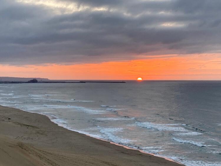 鳥取砂丘の風紋と絶景夕陽