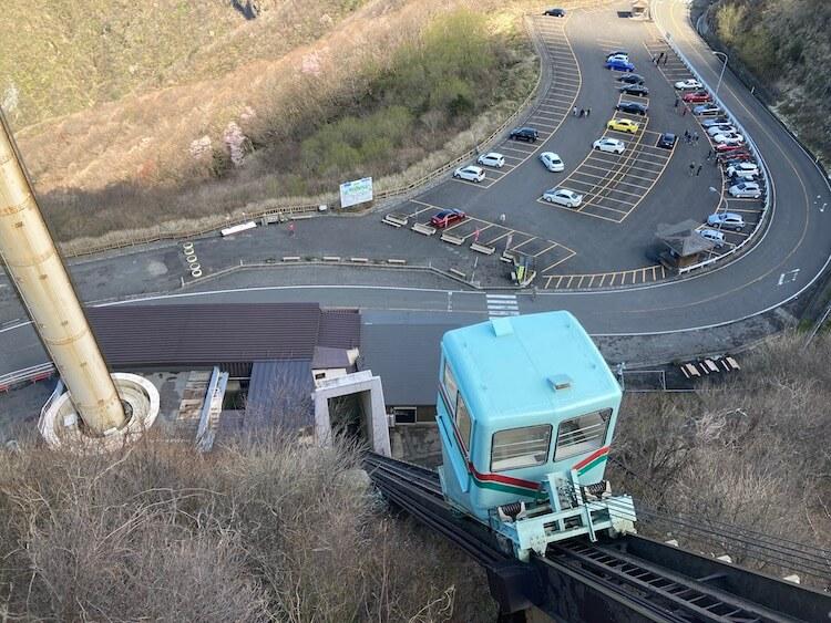 新潟随一のパワースポット弥彦山で絶対オススメ!パノラマタワーへはクライミングカーで移動