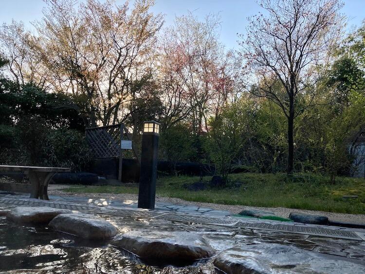 湯巡り日本一周Nバン車中泊 77湯目 聖籠観音の湯ざぶーんの露天風呂