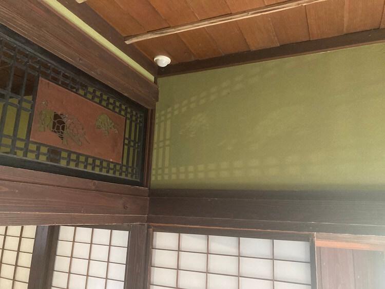 角館で一番上級だったという武家屋敷の石黒家。築200年以上のこの家には、直系の子孫が実際に生活してる
