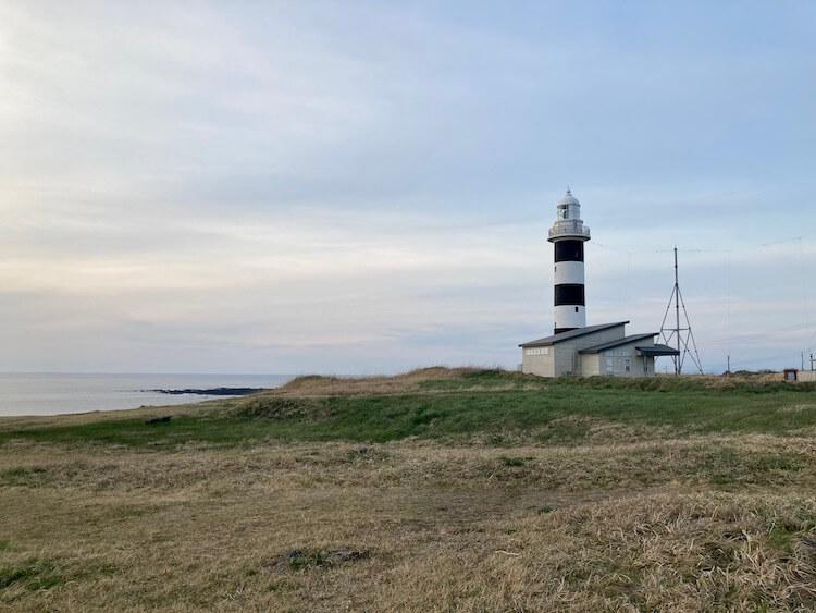 男鹿半島の尖端 北緯40度線上の入道埼灯台