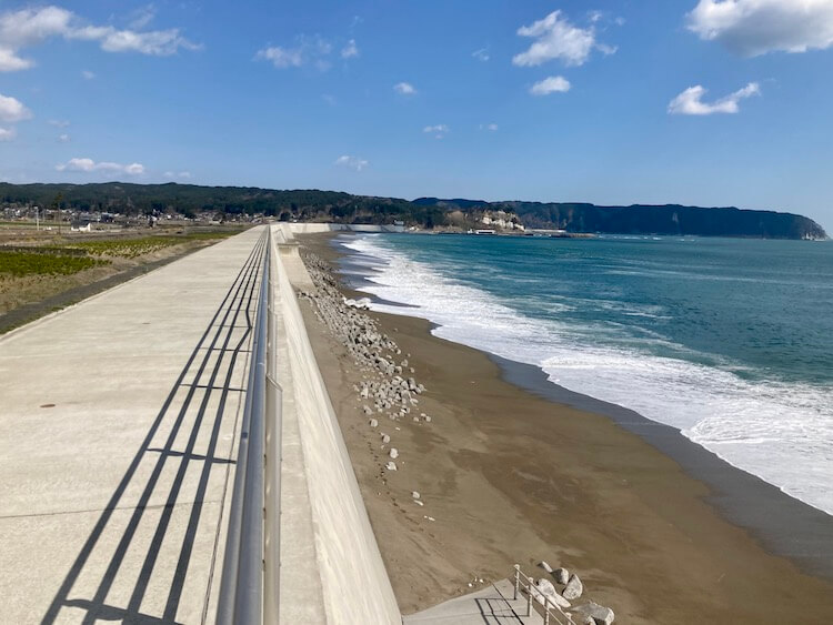 東日本大震災の復興事業でつくられた防波堤