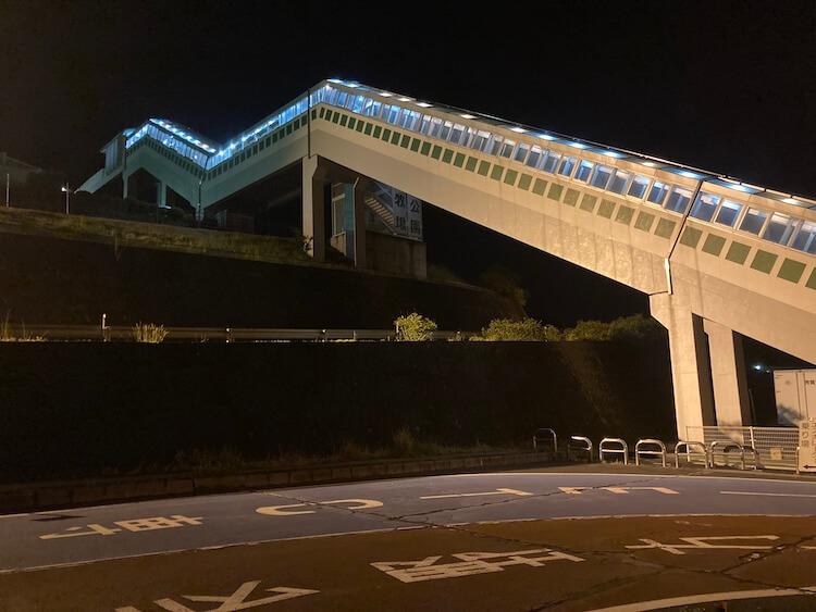 湯巡り日本一周Nバン車中泊 85湯目 平尾温泉 みはらしの湯と佐久平PAをつなぐ巨大エスカレーター
