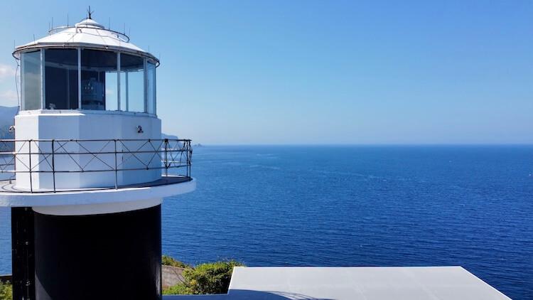 神威岬でドローン空撮に挑戦!!神威岩から神威岬を撮影。神威岬灯台。