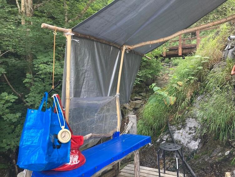 湯巡り日本一周Nバン車中泊 94湯目 吹上温泉 吹上露天の湯の脱衣所